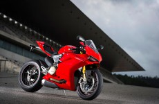 1299-PANIGALE-S-01