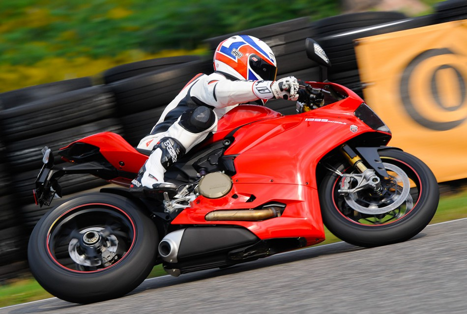 Ducati_Panigale_1299S-DC-06