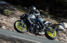 2017_yamaha-fz-09_action-zef-05