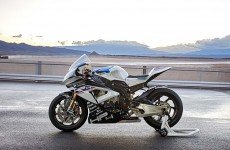 2018-BMW-HP4-Race-06
