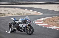 2018-BMW-HP4-Race-08