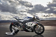 2018-BMW-HP4-Race-09