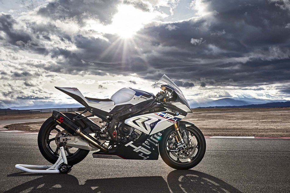 2018-BMW-HP4-Race-10