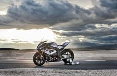 2018-BMW-HP4-Race-11