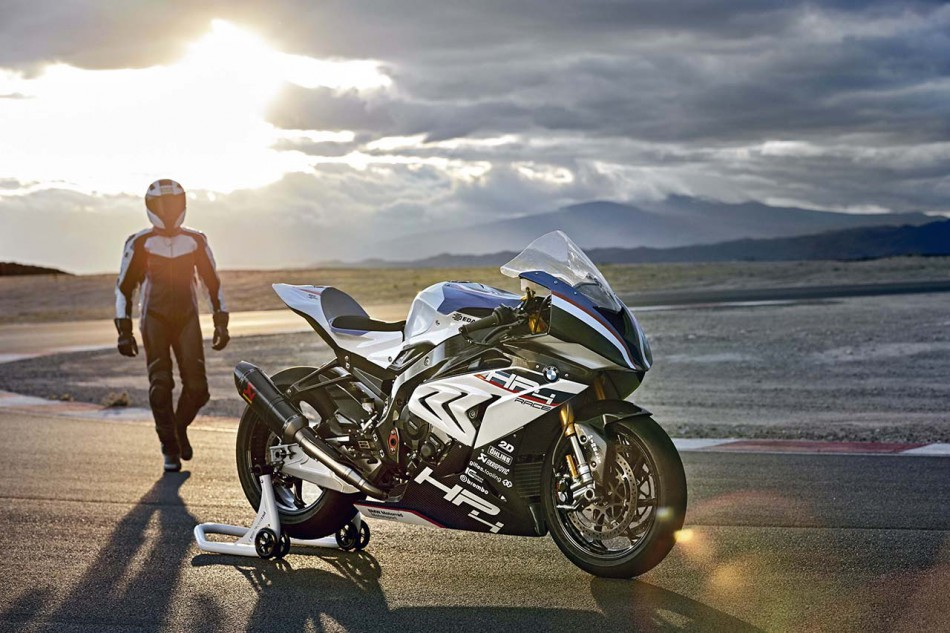 2018-BMW-HP4-Race-12