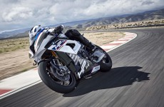 2018-BMW-HP4-Race-25