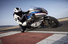 2018-BMW-HP4-Race-30