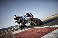 2018-BMW-HP4-Race-32