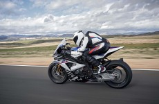 2018-BMW-HP4-Race-35