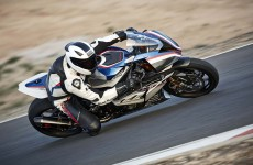 2018-BMW-HP4-Race-37