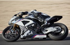 2018-BMW-HP4-Race-38
