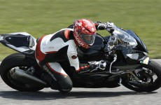 BMW-S1000RR-action-00