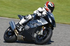 BMW-S1000RR-action-000