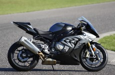 BMW-S1000RR-beauty-01