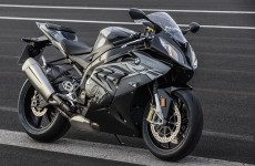 BMW-S1000RR-beauty-04