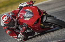 Ducati_Panigale_V4-action