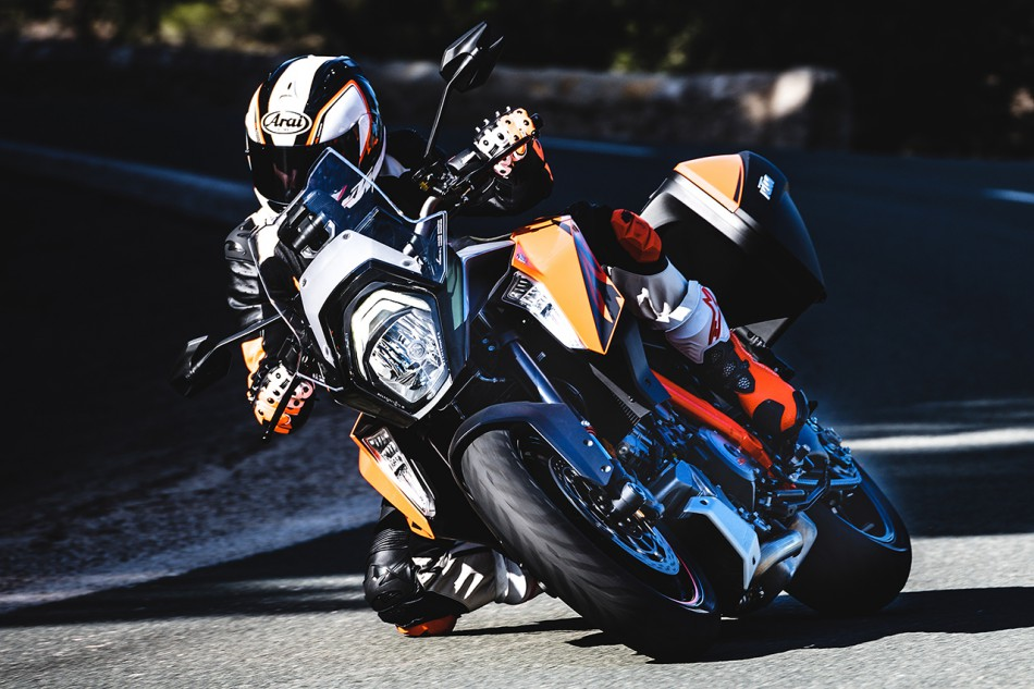 139452_1290 Super Duke GT MY 2016