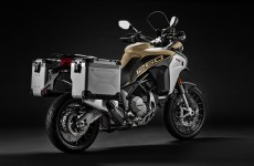 2019-MULTISTRADA 1260 ENDURO_Studio-06