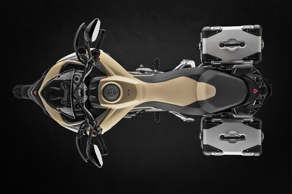 2019-MULTISTRADA 1260 ENDURO_Studio-09