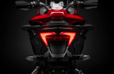 2019-MULTISTRADA 1260 ENDURO_Studio-20