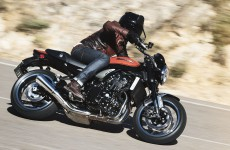 Kawasaki_Z900RS-Action-01