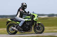 Kawasaki_Z900RS_CafeRacer-action-03