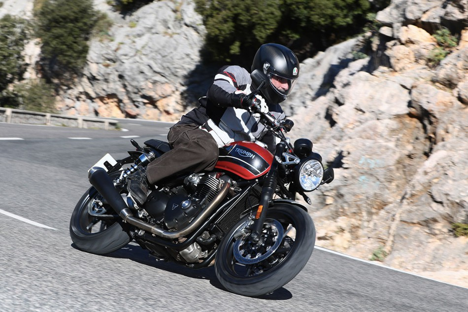 2019-Triumph-Speed-Twin-24