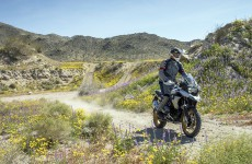 2019_BMW_R1250GS-Action-08