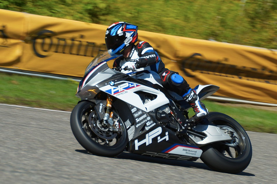 2019-BMW-HP4Race-S1000RRM-Calabogie-10