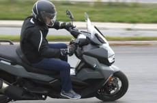 BMW-C400-GT-Action-06