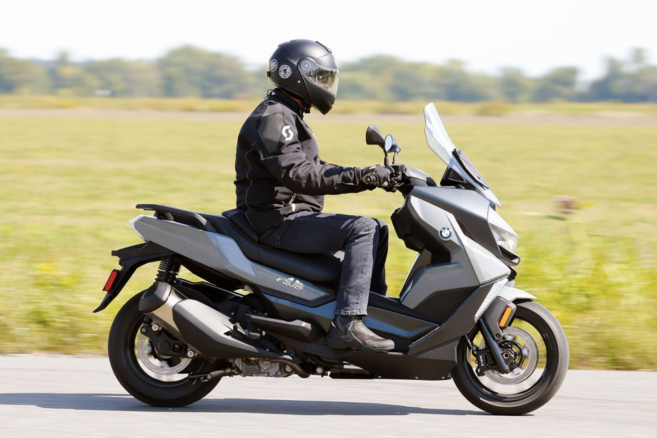BMW-C400-GT-Action-12