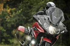 2019_BMW-R1250RT-action-00