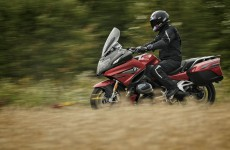 2019_BMW-R1250RT-action-10