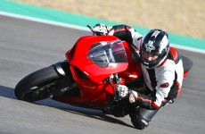 2020-Ducati-Panigale_V2-action-04