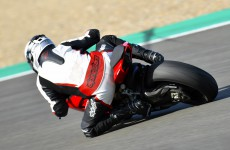2020-Ducati-Panigale_V2-action-05