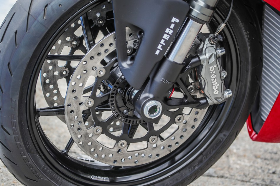 2020-Ducati-Panigale_V2-detail-01