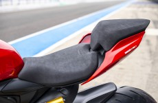 2020-Ducati-Panigale_V2-detail-03