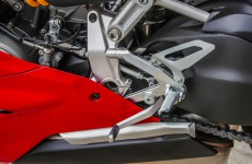 2020-Ducati-Panigale_V2-detail-06