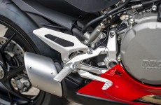 2020-Ducati-Panigale_V2-detail-07