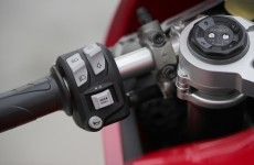 2020-Ducati-Panigale_V2-detail-09