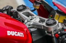 2020-Ducati-Panigale_V2-detail-11