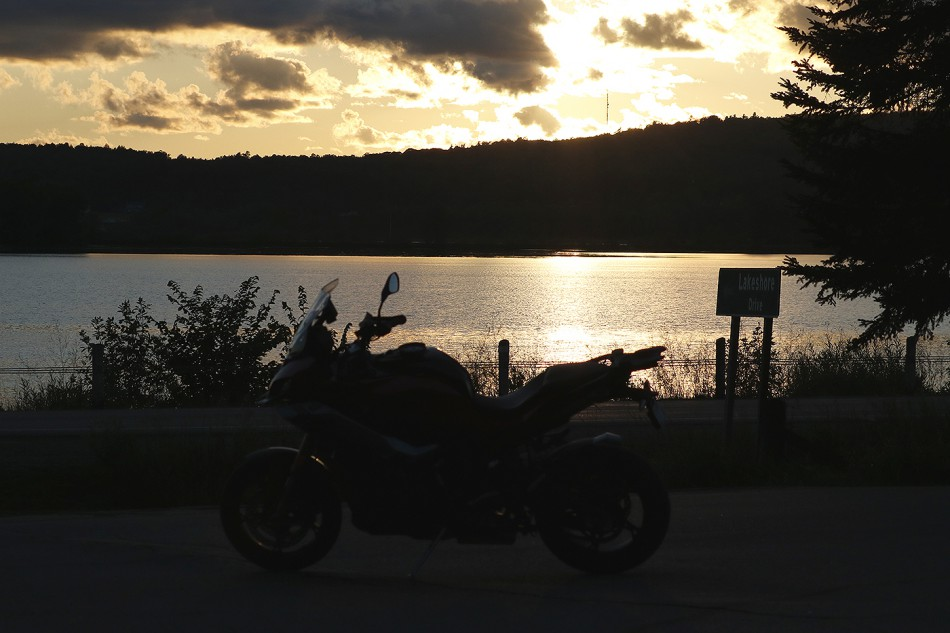 2020_BMW_S1000XR-Baie_Highlands-00