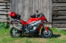 2020_BMW_S1000XR-Baie_Highlands-01