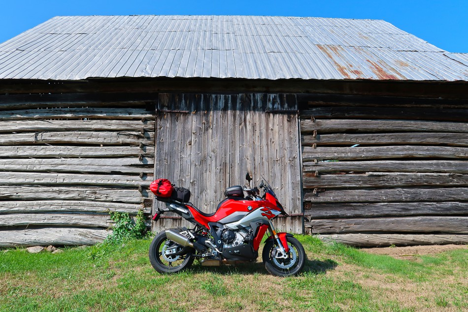 2020_BMW_S1000XR-Baie_Highlands-02