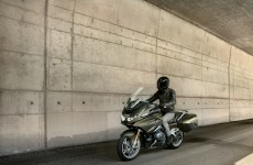 2021-BMW_R11250RT-Action-03