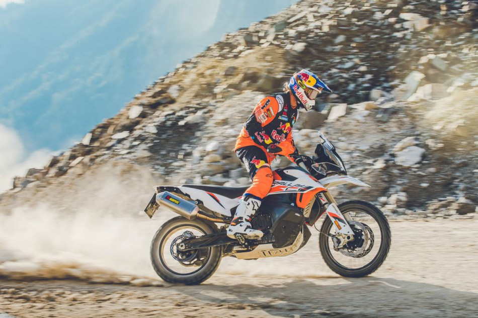KTM 890 ADVENTURE R RALLY_Action Toby Price