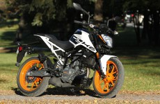 2021-KTM_200_Duke-Location-01