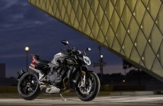 MV_AGUSTA_BRUTALE 1000 RS_AMBIENT (17)